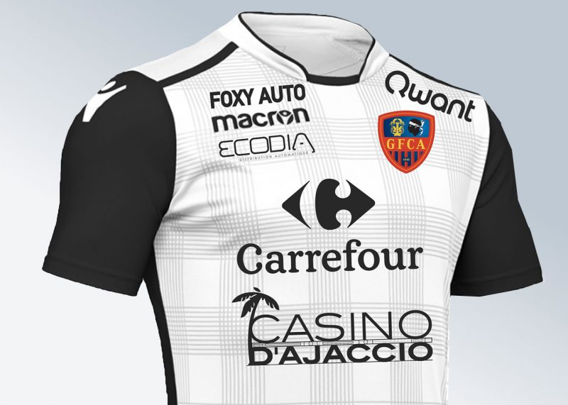 Tercera camiseta del Gazélec Ajaccio | Foto Web Oficial