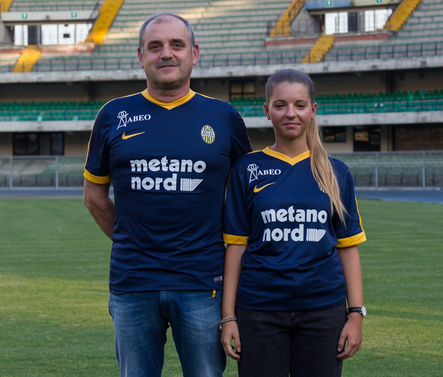 Nueva camiseta titular Nike del Hellas Verona | Foto Web Oficial