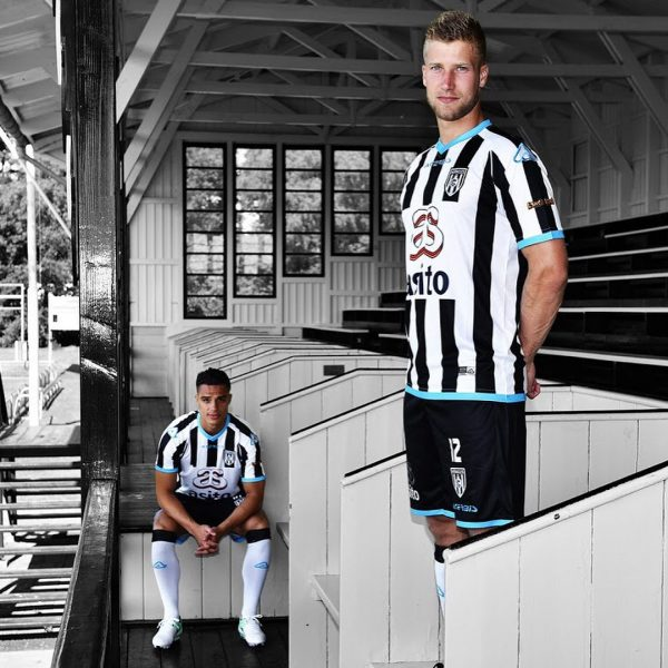 Camiseta titular Acerbis del Heracles Almelo | Foto Web Oficial