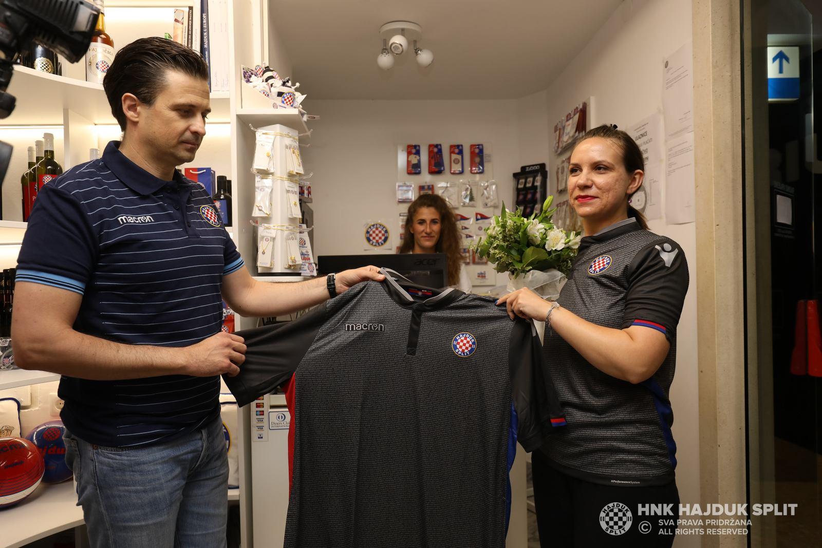 Tercera camiseta Macron del Hajduk Split | Foto Web Oficial