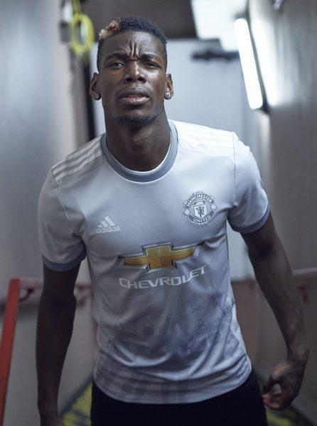 Paul Pogba con la tercera camiseta del United para 2017/2018 | Foto Adidas