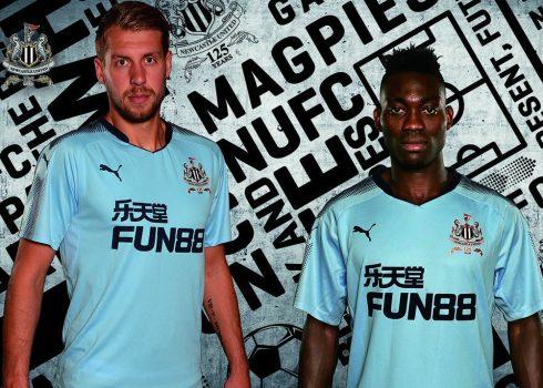 Camiseta suplente Puma del Newcastle United FC   Foto Web Oficial