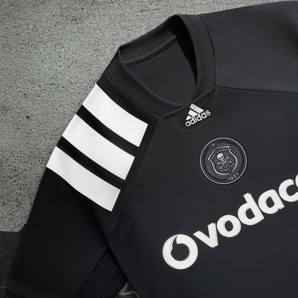 Camiseta titular del Orlando Pirates | Foto Adidas