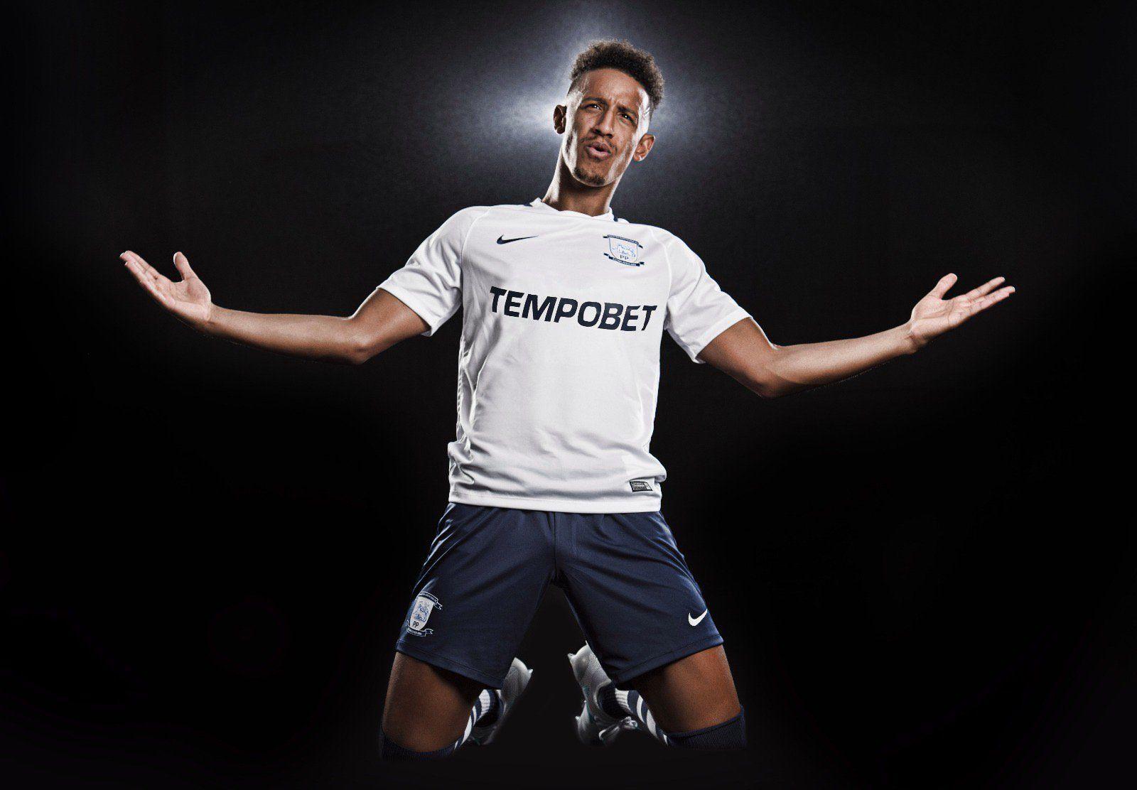 Camiseta titular Nike del Preston North End FC | Foto Web Oficial