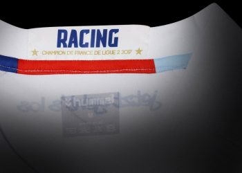 Camiseta suplente Hummel del RC Strasbourg | Foto Web Oficial
