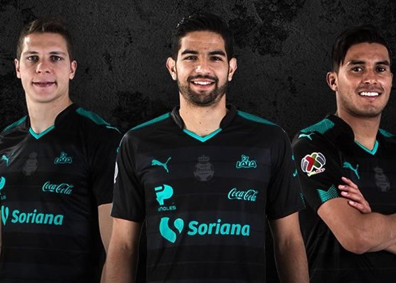 Camiseta suplente del Santos Laguna   Foto Twitter Oficial