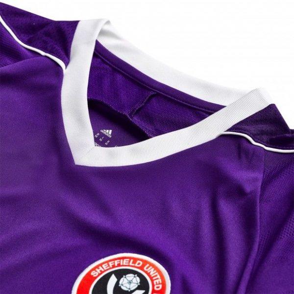 Camiseta suplente Adidas del Sheffield United | Foto Web Oficial