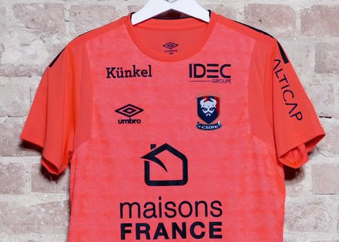 Camiseta suplente del SM Caen | Foto Umbro