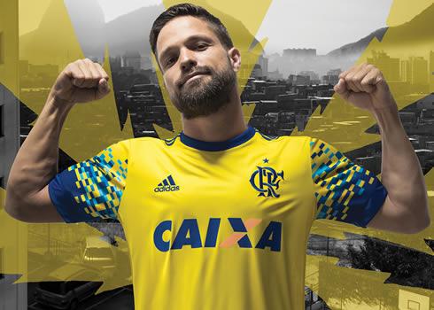 Diego con el tercer kit del Flamengo   Foto Adidas