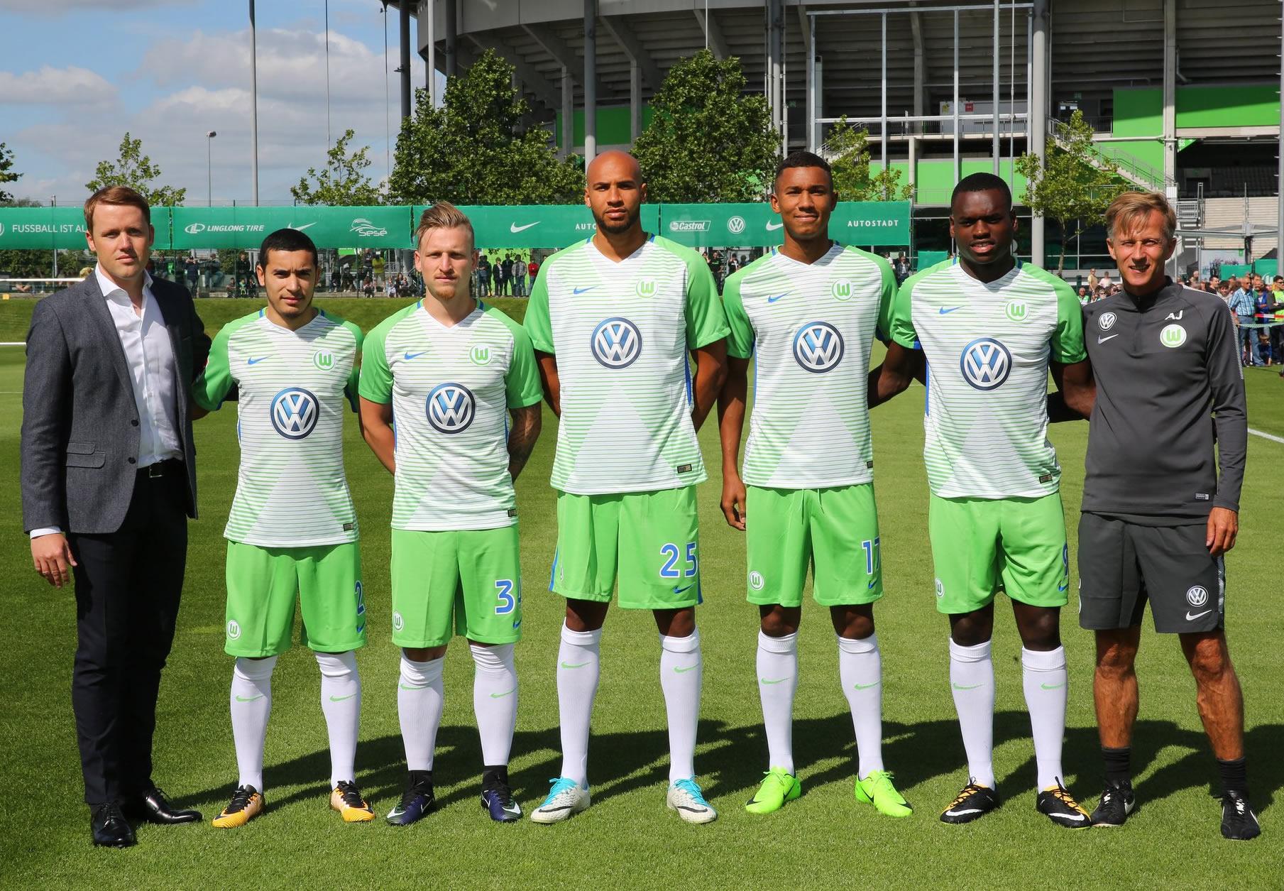 Camiseta titular Nike del Wolfsburg | Foto Web Oficial