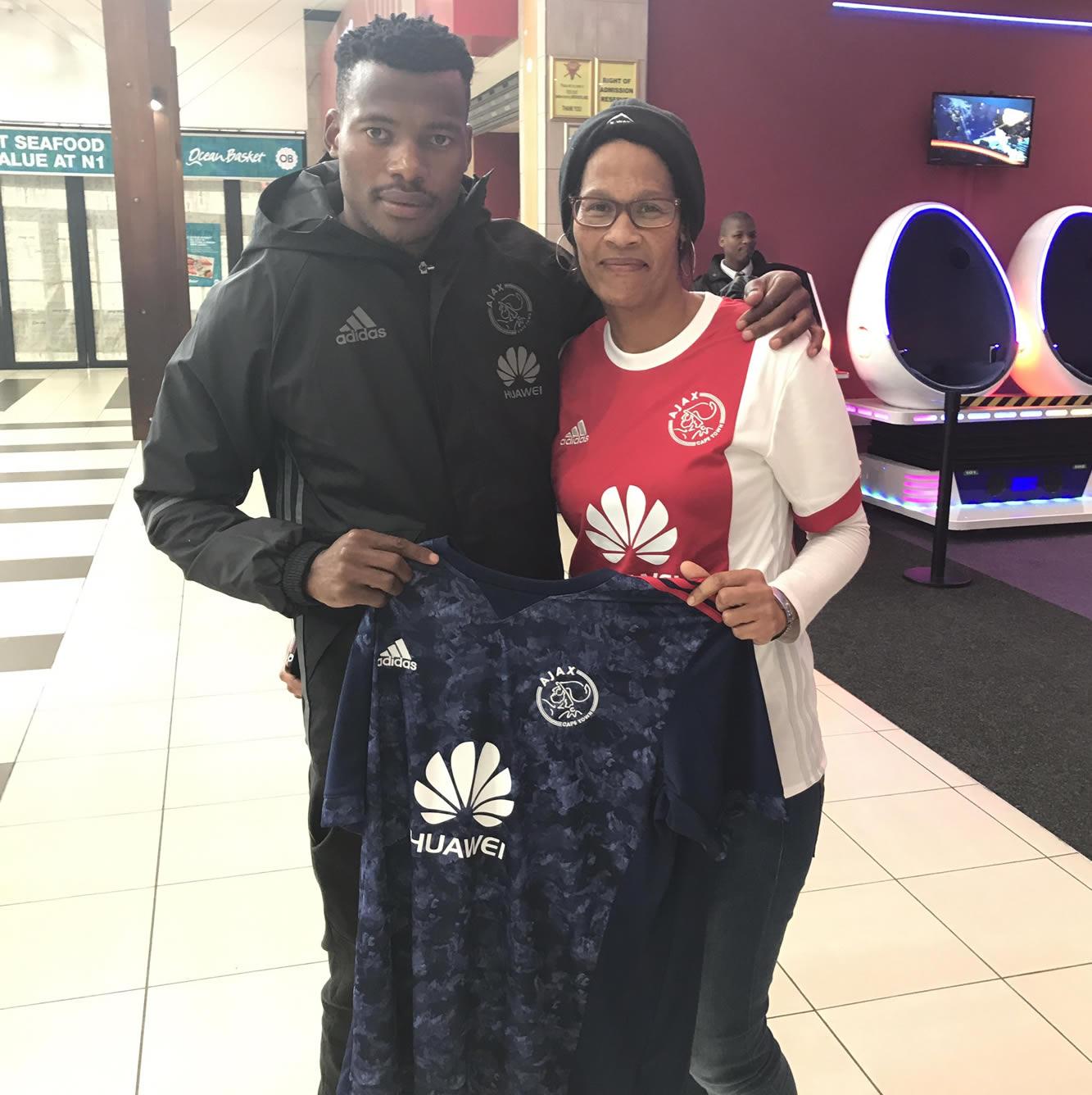 Camiseta suplente del Ajax Cape Town | Foto Twitter Oficial