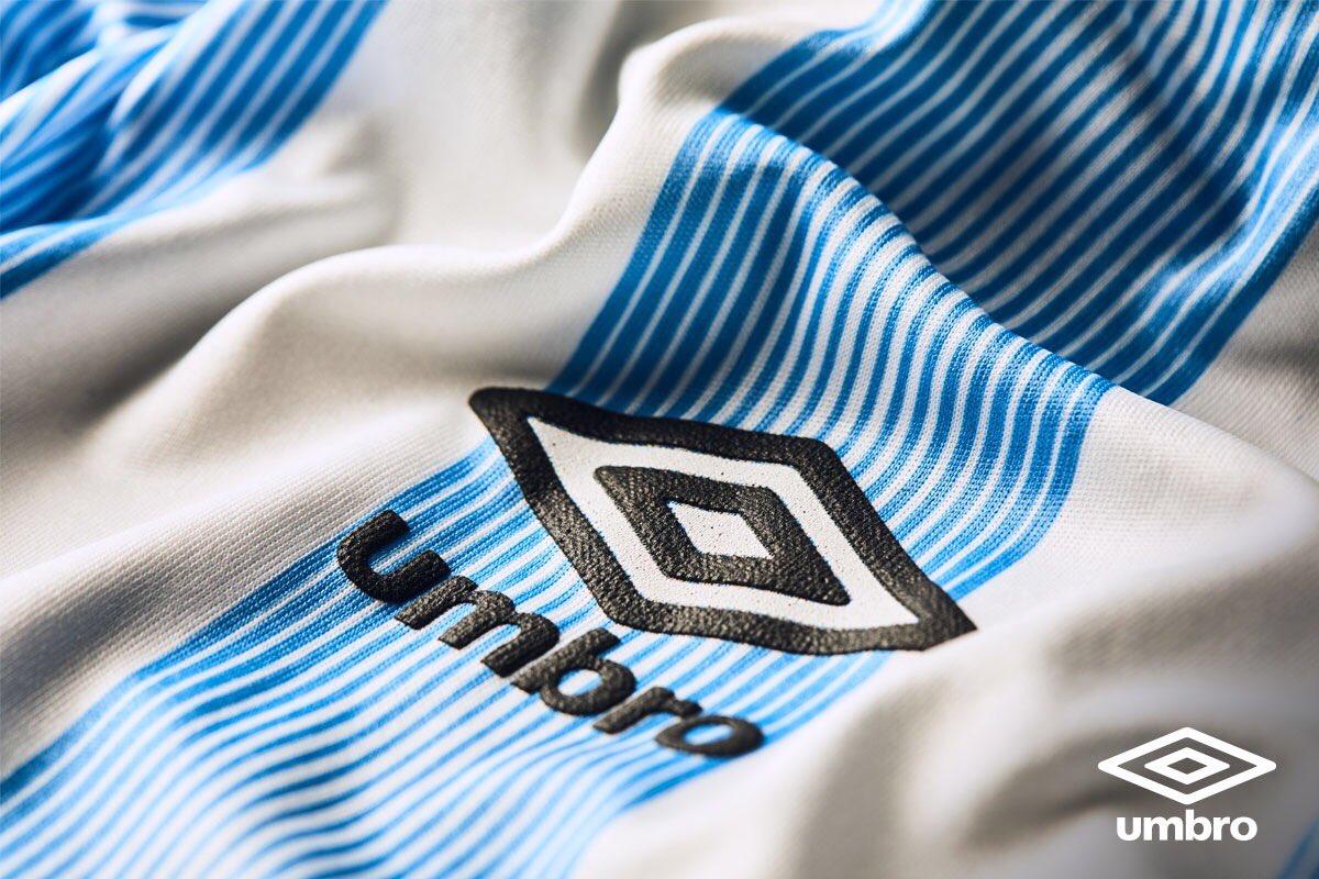 Camiseta titular Umbro de Atlético Tucumán 2017 2018 163b764547a1f