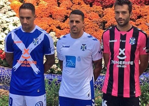 Nuevas camisetas del CD Tenerife   Foto Twitter Oficial