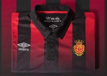 Camiseta suplente del RCD Mallorca | Foto Umbro