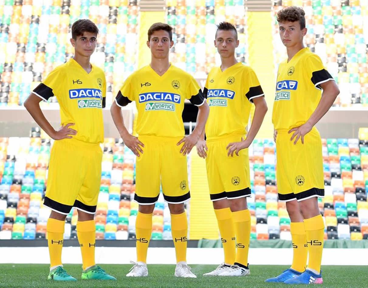 Camiseta suplente del Udinese | Fot HS Football