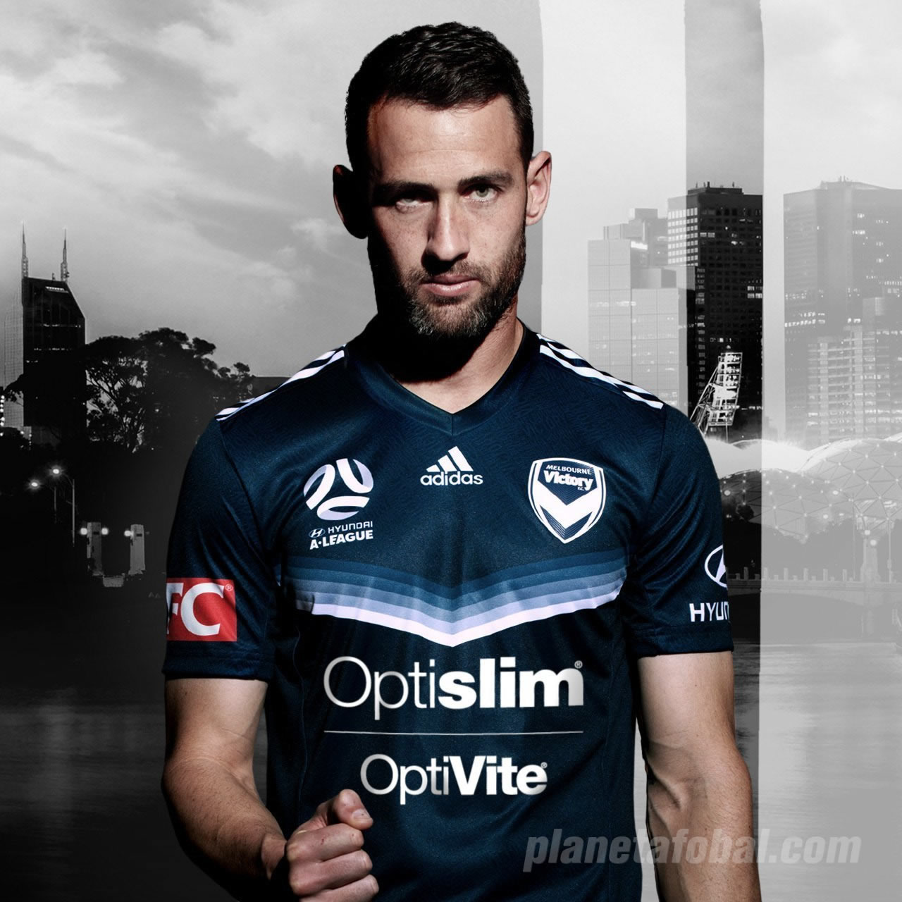 Camiseta titular del Melbourne Victory   Foto Web Oficial