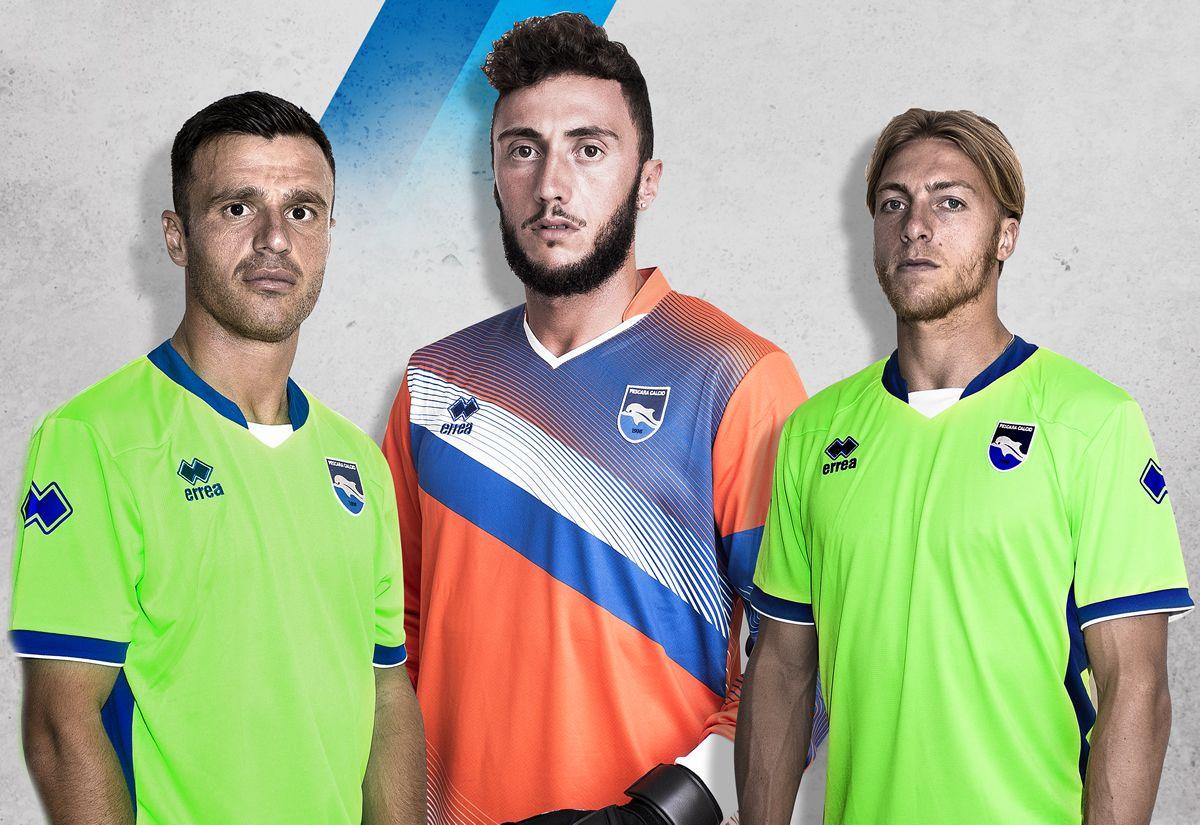 Camiseta suplente del Pescara Calcio | Foto Web Oficial