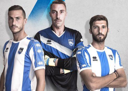 Camiseta titular del Pescara Calcio | Foto Erreà