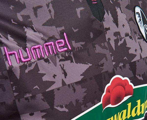Tercera camiseta Hummel del SC Freiburg | Foto Web Oficial
