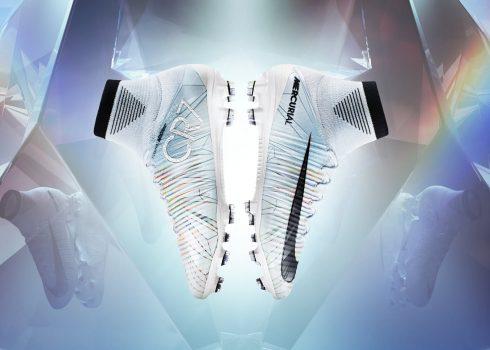 "Nuevo botines Mercurial de CR7 ""Cut to brilliance""   Foto Nike"