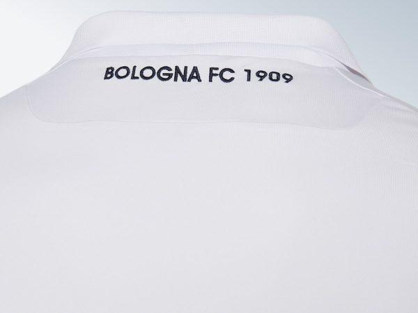 Camiseta suplente del Bologna | Imagen Macron
