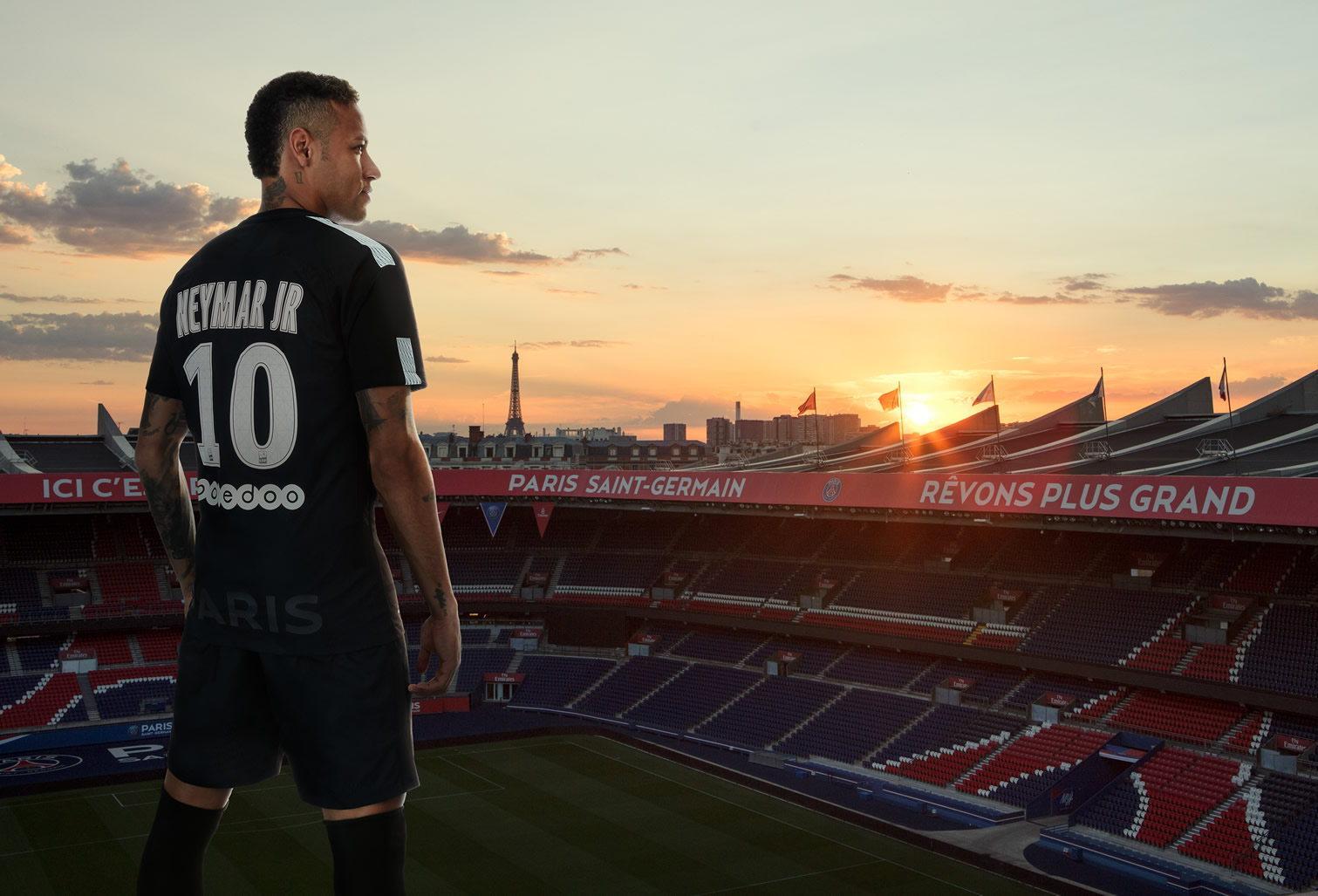 Neymar Jr posó con la tercera camiseta del PSG 2017-18 | Foto Nike