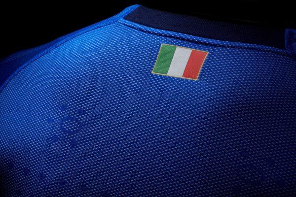 Camiseta titular de Italia versión evoKNIT | Imagen Puma