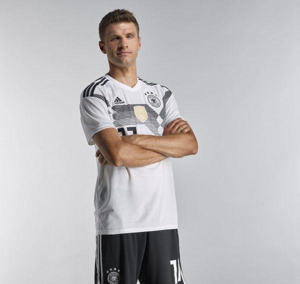 Thomas Müller con la camiseta titular Mundial 2018 de Alemania | Foto Adidas