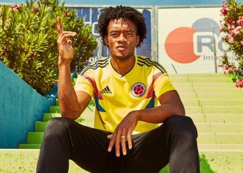 Juan Cuadrado con la camiseta titular Mundial 2018 de Colombia | Foto Adidas