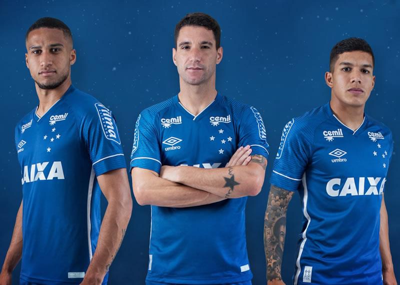 Nueva camiseta alternativa del Cruzeiro | Foto Umbro