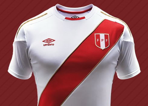 Nueva camiseta para Rusia 2018 de Perú | Foto Umbro