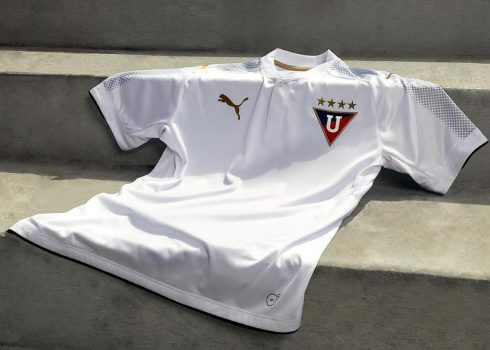 Camiseta titular Puma de la Liga de Quito   Foto Twitter Oficial