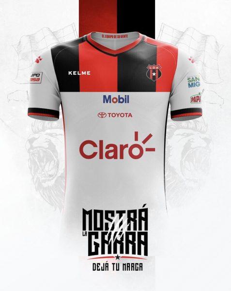 Camiseta suplente Kelme de la Liga Deportiva Alajuelense | Imagen Facebook Oficial