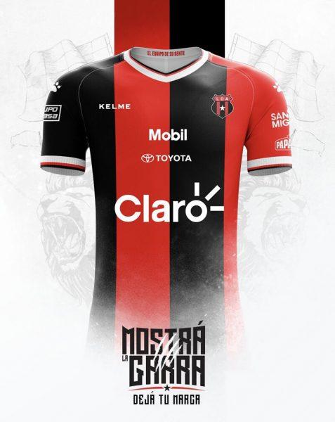 Camiseta titular Kelme de la Liga Deportiva Alajuelense | Imagen Facebook Oficial