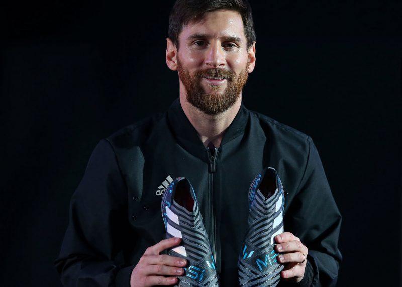 "Lionel Messi con los botines NEMEZIZ Messi ""Cold Blooded"" | Foto Adidas"