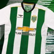 Camiseta titular 2018 Penalty de Banfield | Foto Twitter iamnoticias