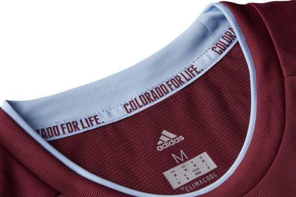 Camiseta titular 2018-19 del Colorado Rapids | Foto Web Oficial