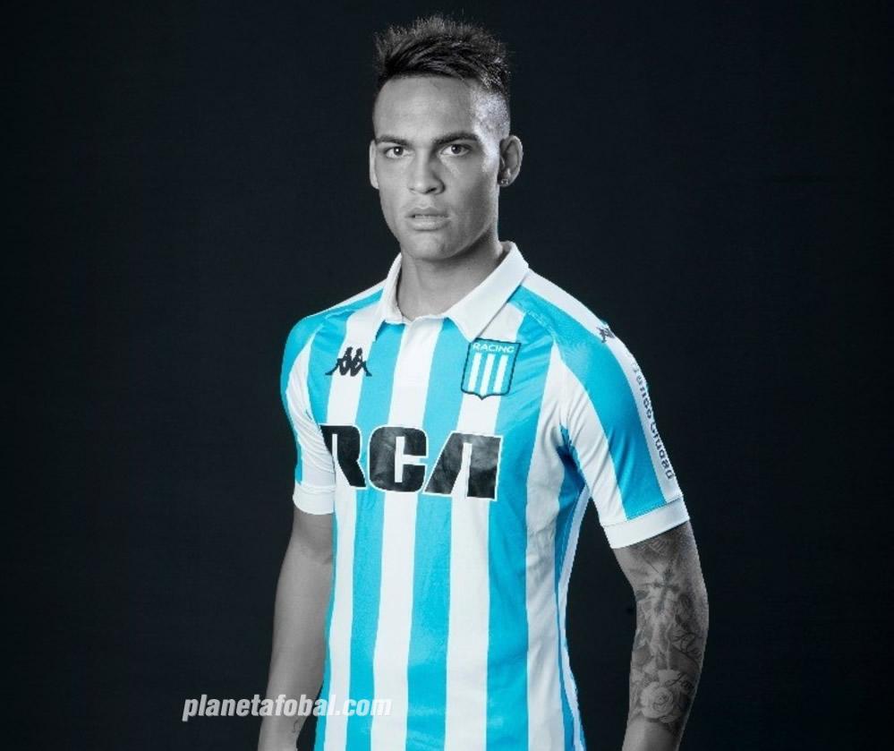 Lautaro Martinez con la camiseta titular 2018 Kappa de Racing | Foto Web Oficial
