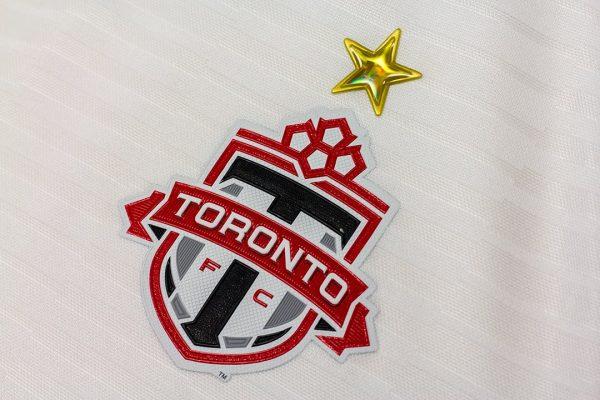 Camiseta alternativa Adidas del Toronto FC | Imagen Web Oficial