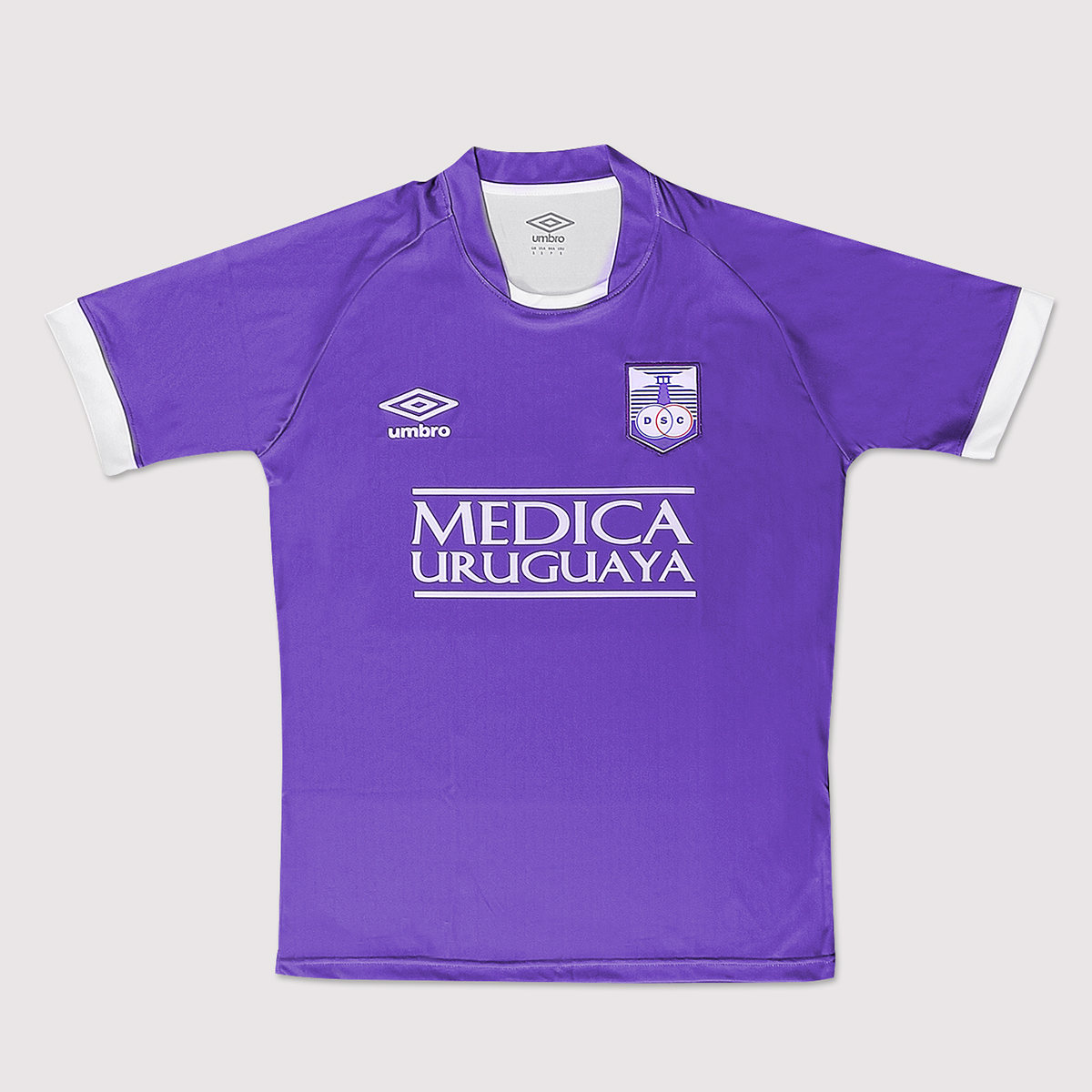Camiseta titular Umbro de Defensor Sporting | Foto Web Oficial