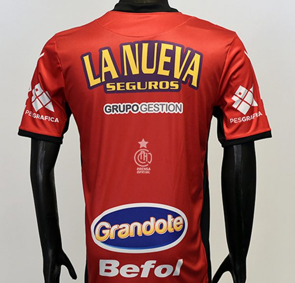 Nueva camiseta titular 2018 de Chacarita | Imagen Web Oficial