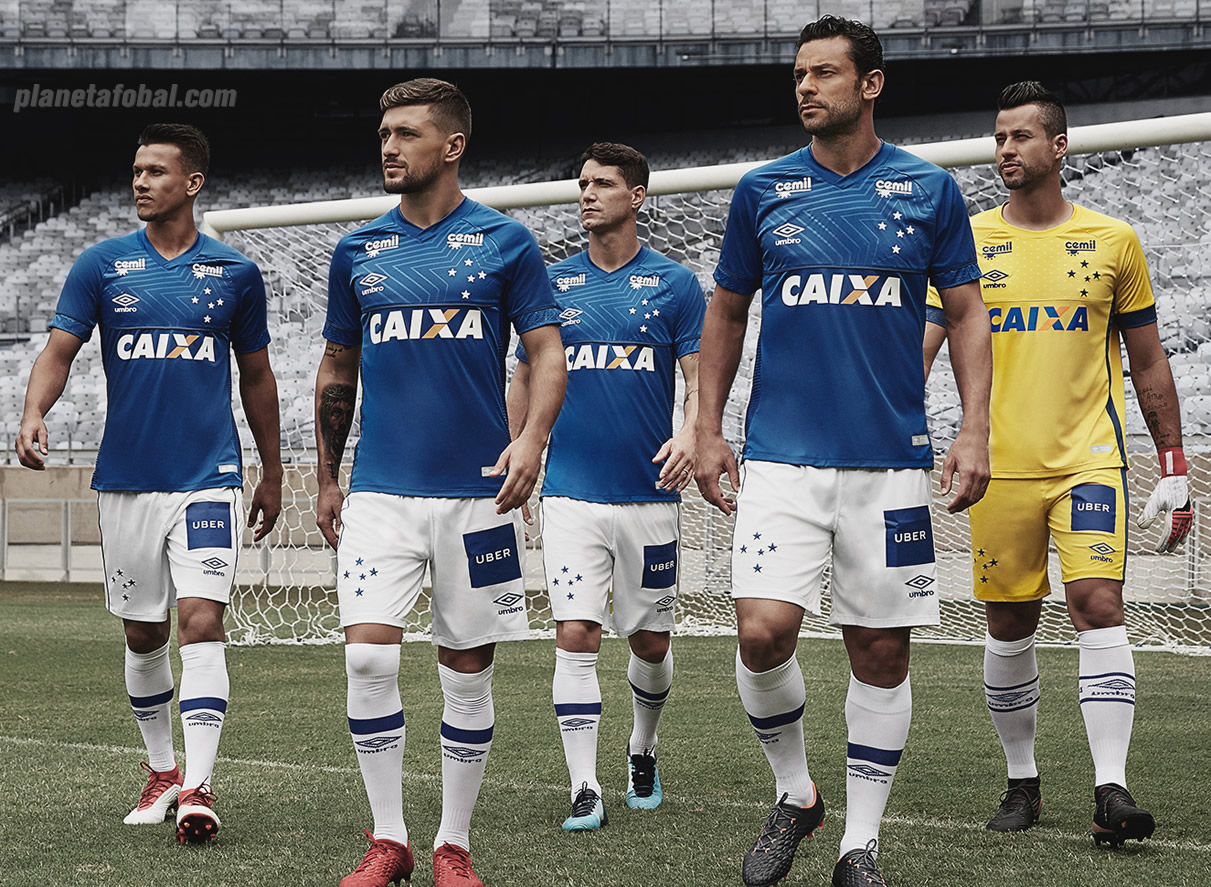 Nueva camiseta titular 2018 del Cruzeiro | Foto Umbro