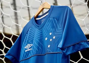 Nueva camiseta titular 2018 del Cruzeiro   Foto Umbro
