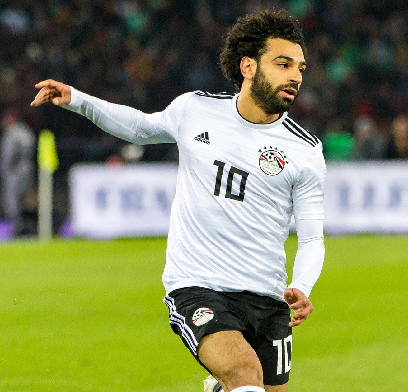 Mohamed Salah con el flamante modelo | Foto EFA