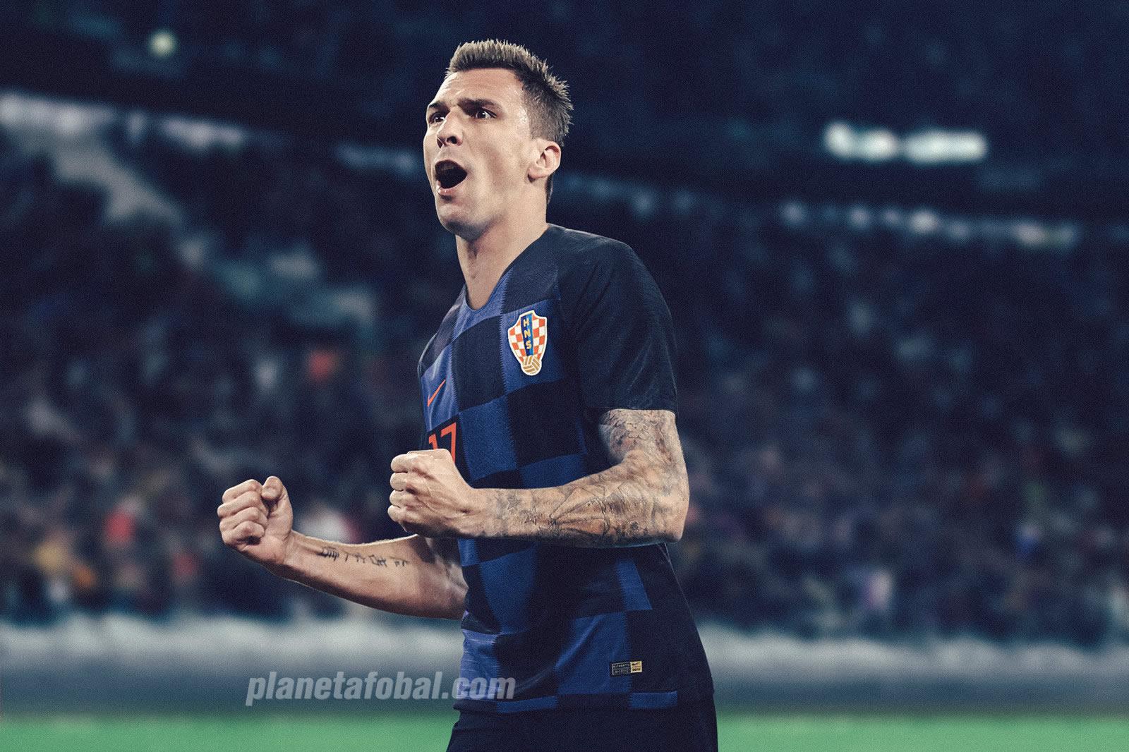 Mandzukic con la camiseta suplente de Croacia | Foto Nike