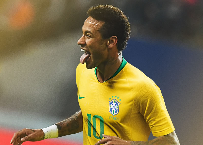 Neymar con la camiseta titular de Brasil Mundial 2018 | Imagen Nike