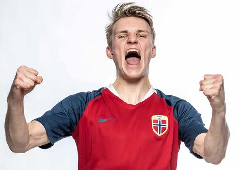 Camiseta titular Nike de Noruega 2018-2019   Foto NFF