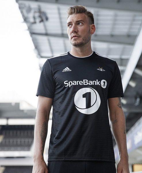 Camiseta suplente Adidas 2018 del Rosenborg | Foto Web Oficial