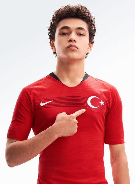 Camiseta titular de Turquía 2018-2019 | Foto Nike