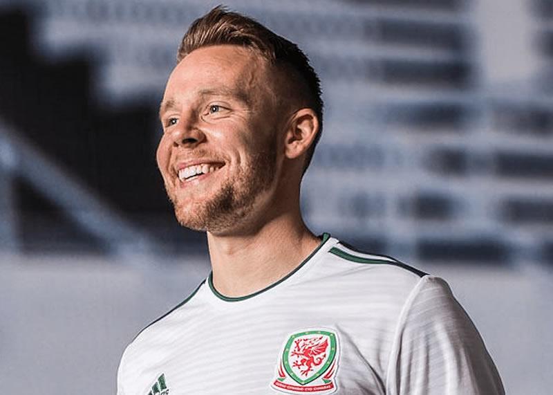 Nueva camiseta suplente Adidas de Gales | Imagen FAW